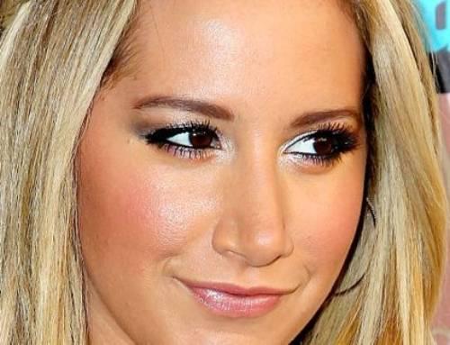 Chirurgia estetica VIP – Ashley Tisdale: Rinoplastica